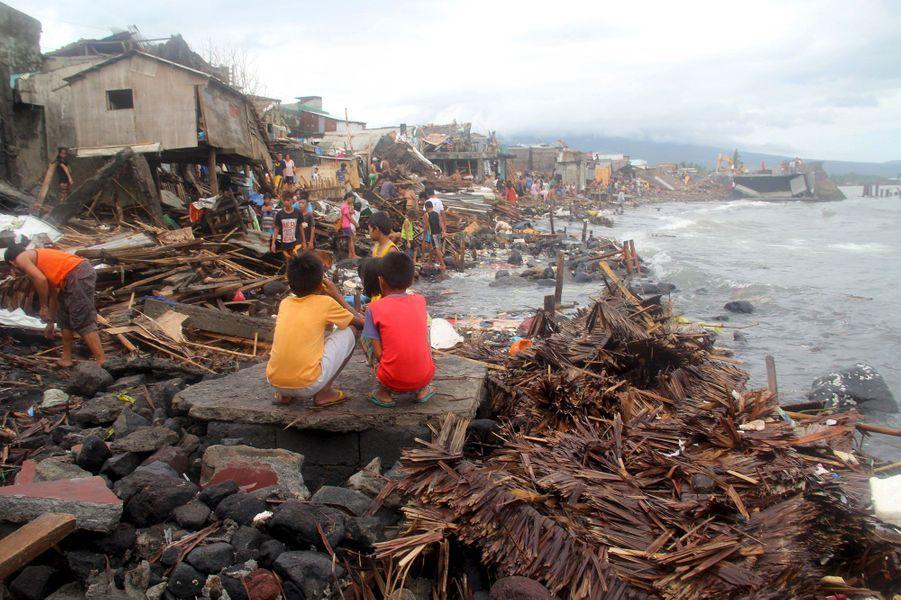 Aux Philippines, Melor fait au moins 11 morts
