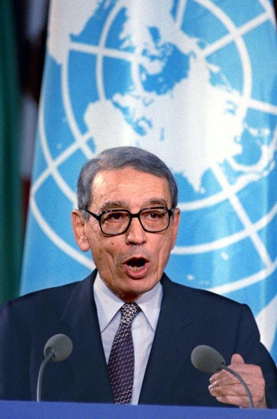 Boutros Boutros-Ghali à une conférence sur les armes chimiques, en janvier 1993