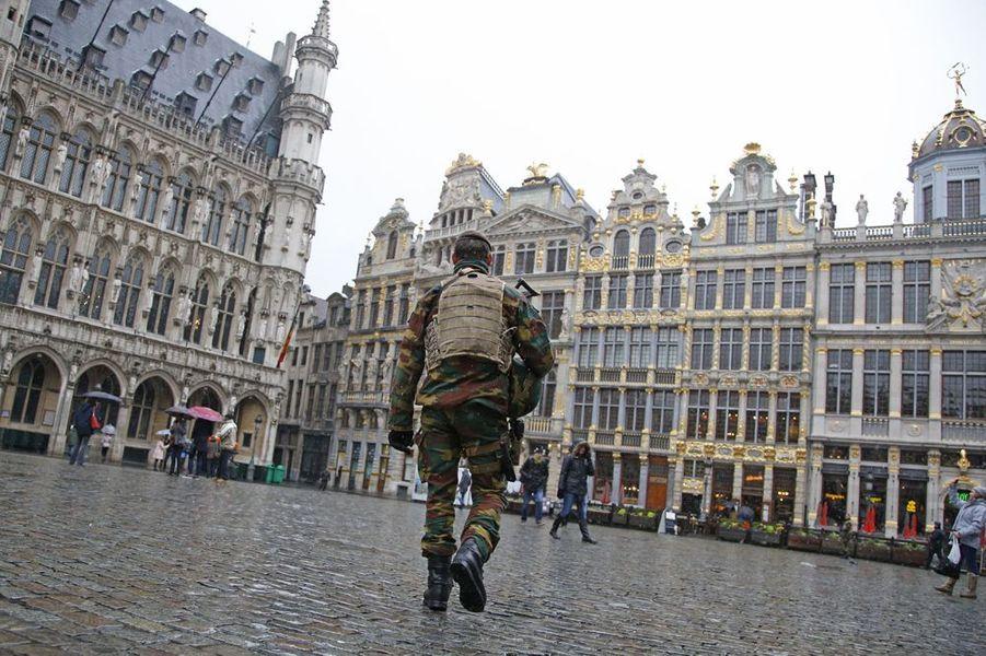Bruxelles placée en alerte maximum, samedi 21 novembre 2015