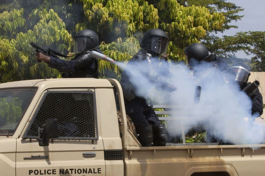 Des manifestations ont eu lieu mardi à Ouagadougou pour protester contre le président Blaise Compaoré