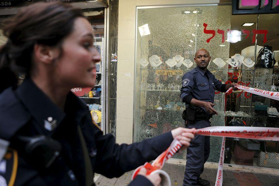 Chasse à l'homme après une attaque meurtrière à Tel-Aviv