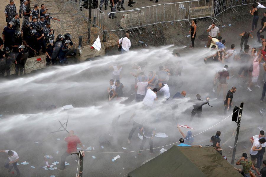 """Crise des ordures ménagères… et """"politiques"""" au Liban"""