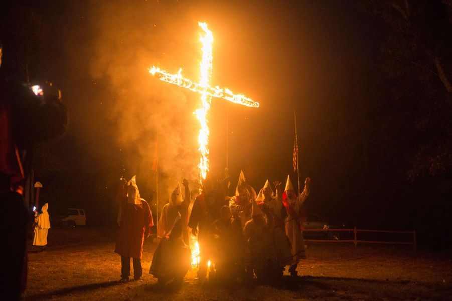 Le Ku Klux Klan compterait 2 000 à 3 000 membres