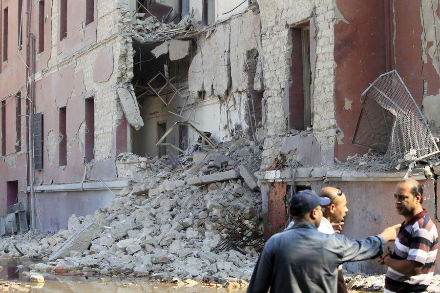 Une explosion au consulat italien du Caire a fait un mort