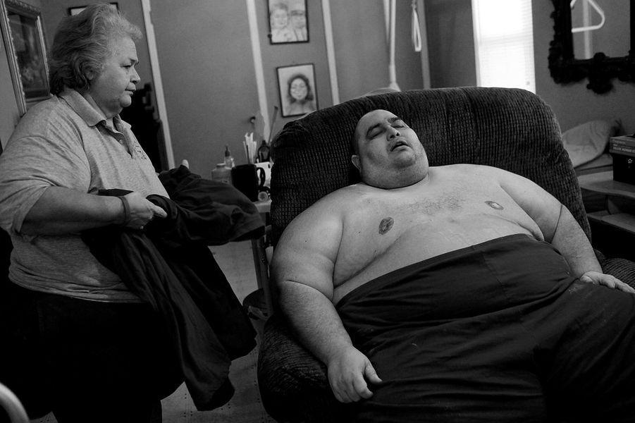 Hector et sa mère Elena en novembre 2010, un mois après le début de son régime