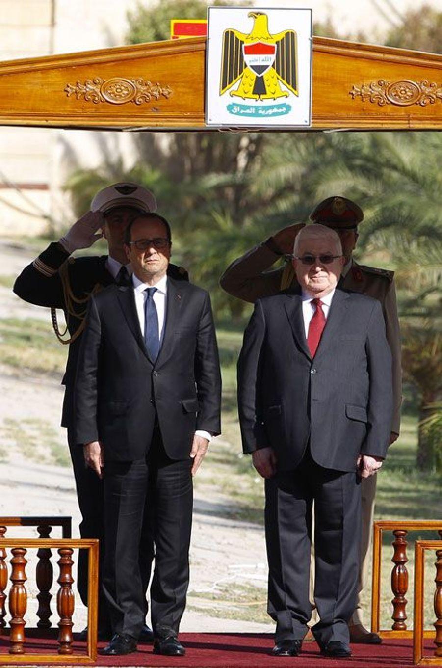 Hollande apporte son soutien à l'Irak