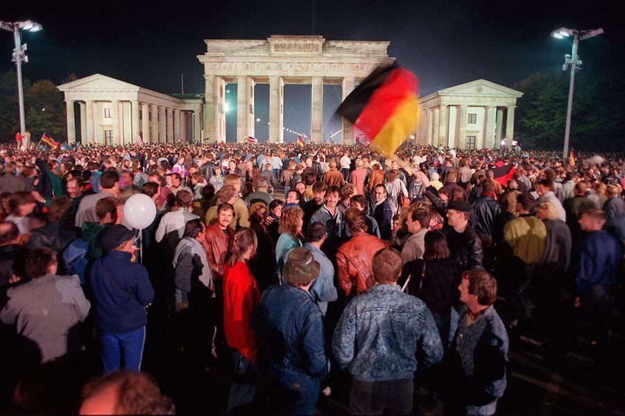 Le foule en liesse le 3 octobre 1990