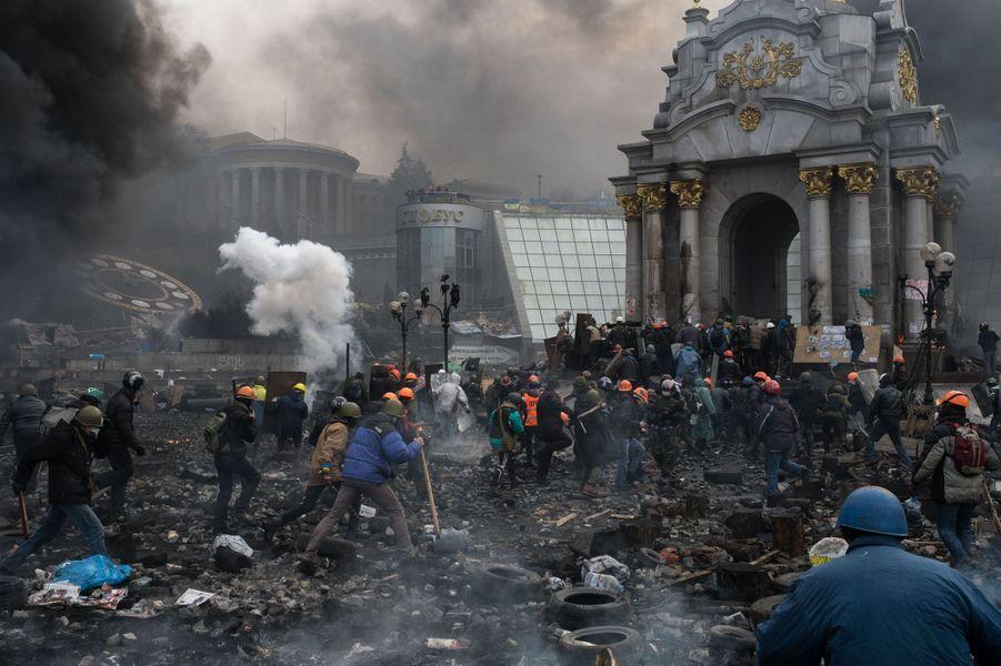 Si le conflit a déjà fait des blessés et des morts, personne ne sait encore ce qui attend les manifestants sur le chemin du palais présidentiel.