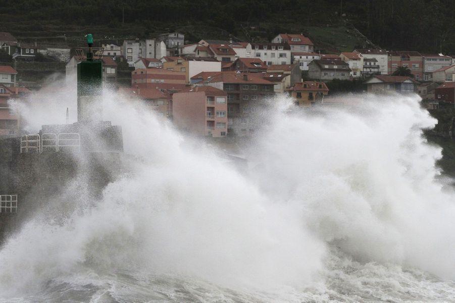 Vendredi, à La Guardia, en Galice, tout près de la frontière nord du Portugal, l'Atlantique se déchaîne.