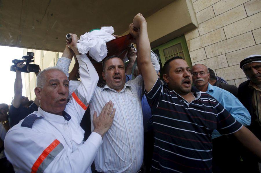 La mort d'une manifestante enflamme la population à Hébron, en Cisjordanie