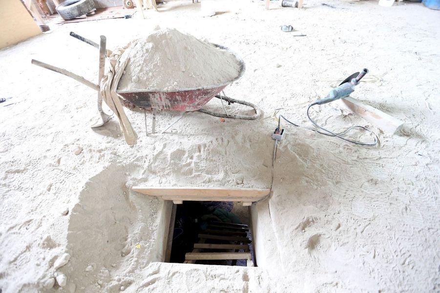 Un tunnel qui débouche dans une habitation abandonnée