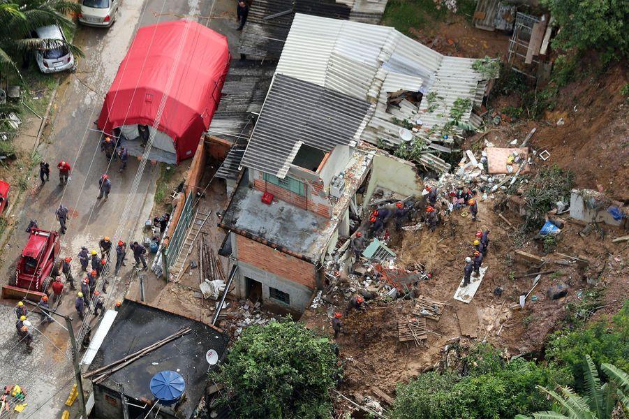 Le Brésil dévasté par des pluies torrentielles