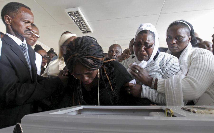 Le Kenya enterre ses morts