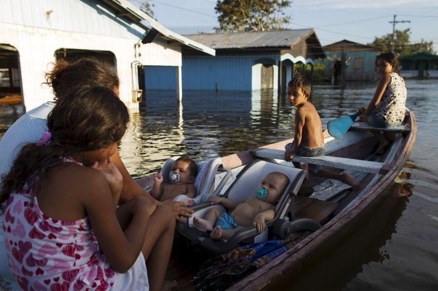 Le peuple amazonien sous l'eau