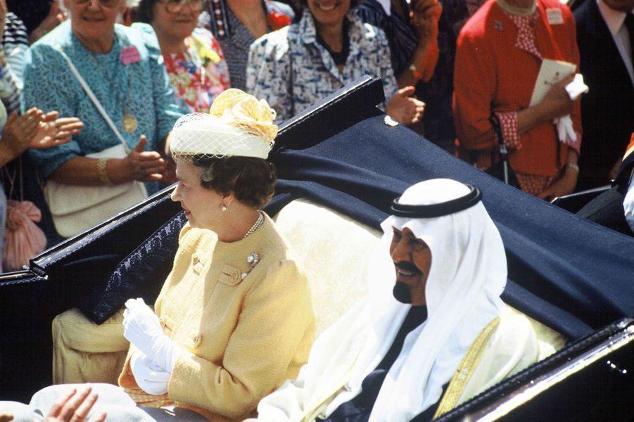 En 1988, alors prince héritier, Abdallah avec la reine Elizabeth II