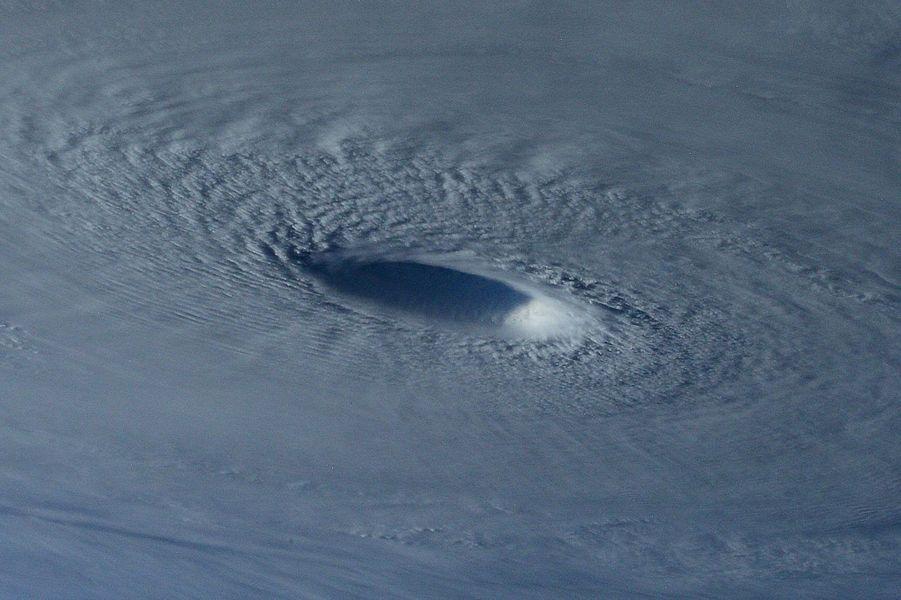Le super-typhon Maysak vu de l'espace
