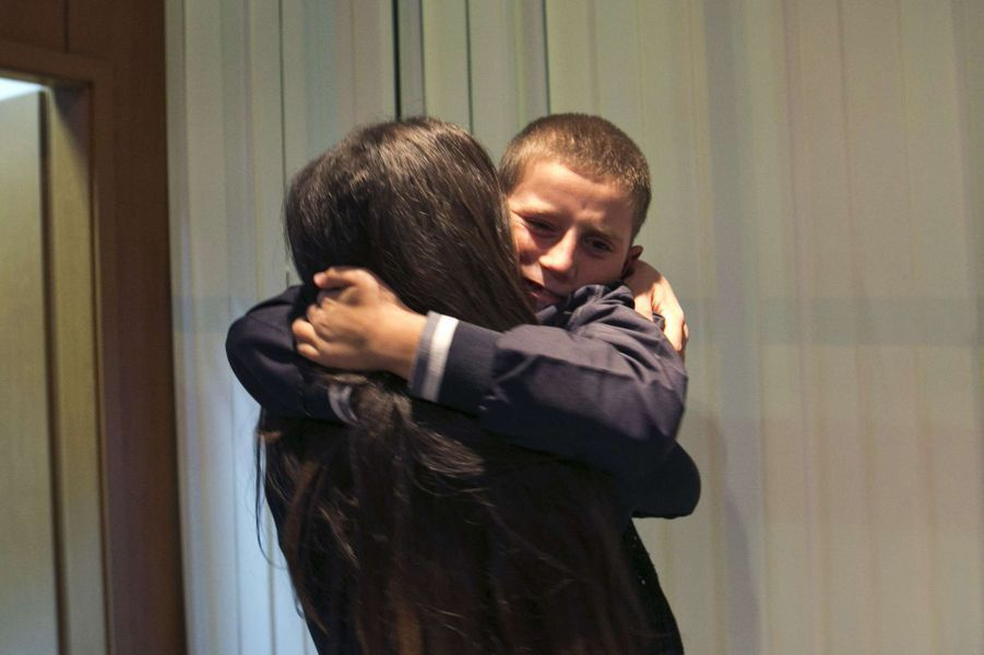 Enlevé par son père, Erion a retrouvé sa mère mercredi, après avoir passé 5 mois en Syrie