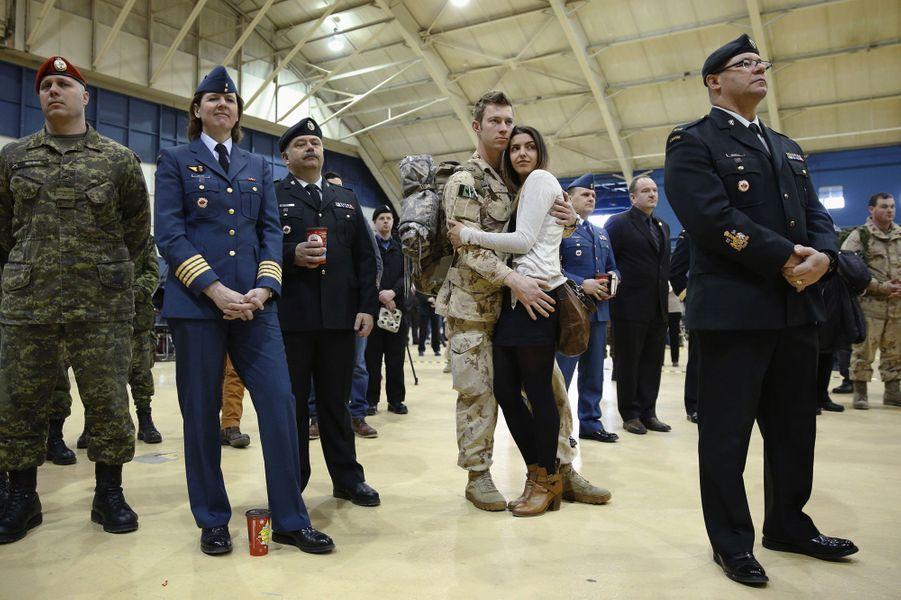 Les soldats canadiens de retour au pays