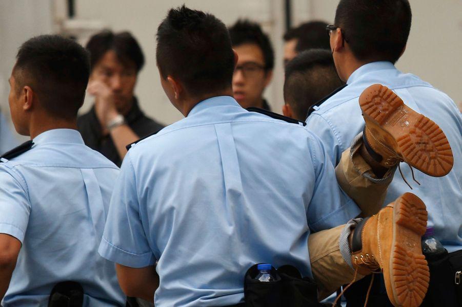 Les Hongkongais dans la rue