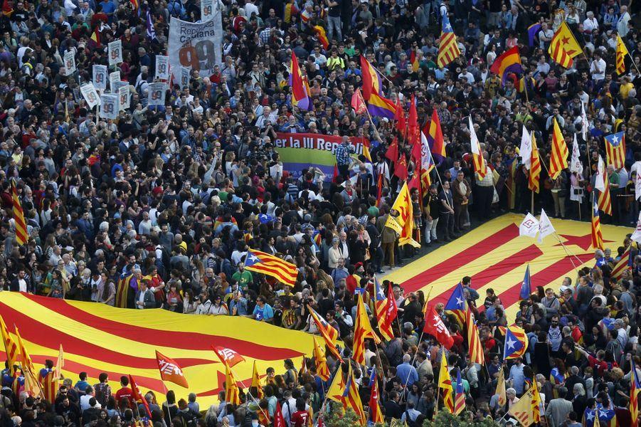 Manifestations antiroyalistes en Espagne
