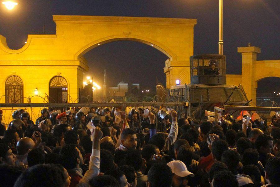 De violents heurts ont éclaté au Caire