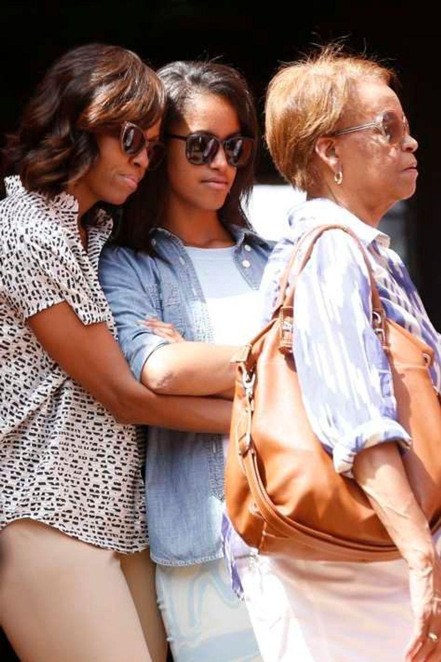 Michelle Obama, sa fille Malia et sa mère Marian Robinson.