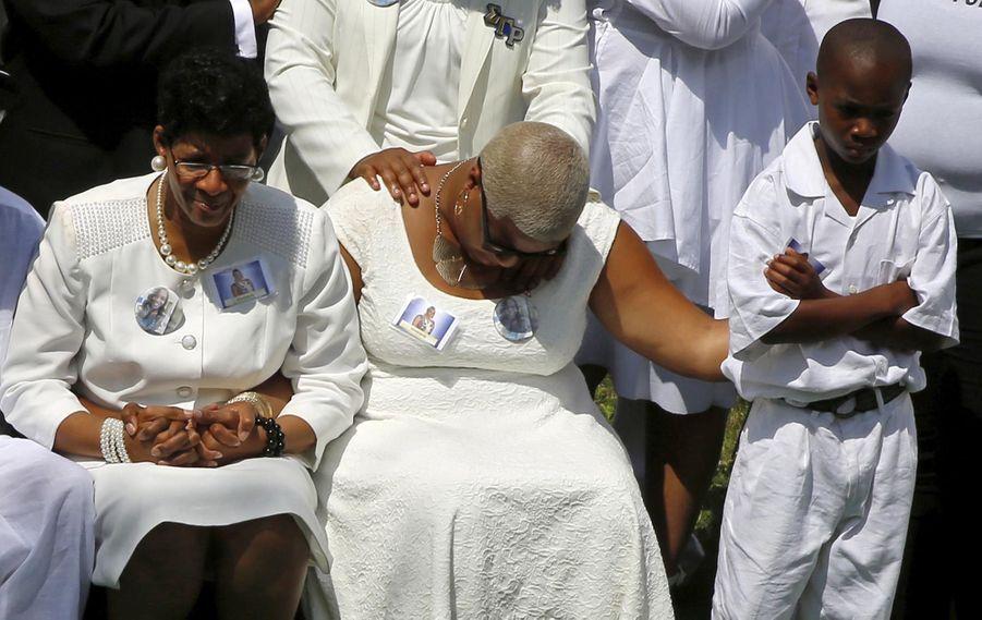 Obsèques doublement douloureuses pour la famille