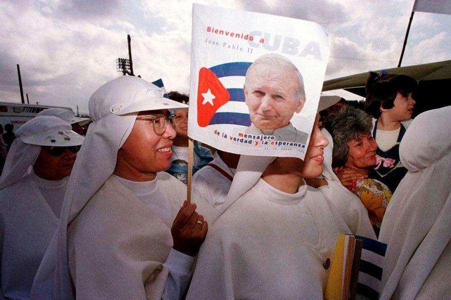 Jean-Paul II attendu à Santa Clara en janvier 1998