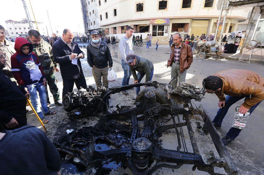 Sur les lieux de l'attaque de Daech, près de la mosquée Sayeda Zeinab