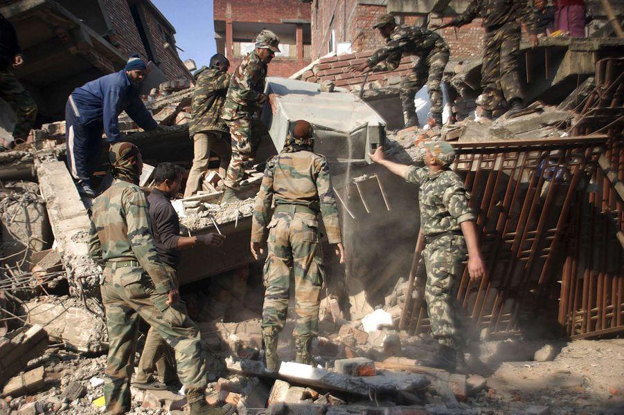 Un puissant séisme dans le nord-est de l'Inde a tué six personnes