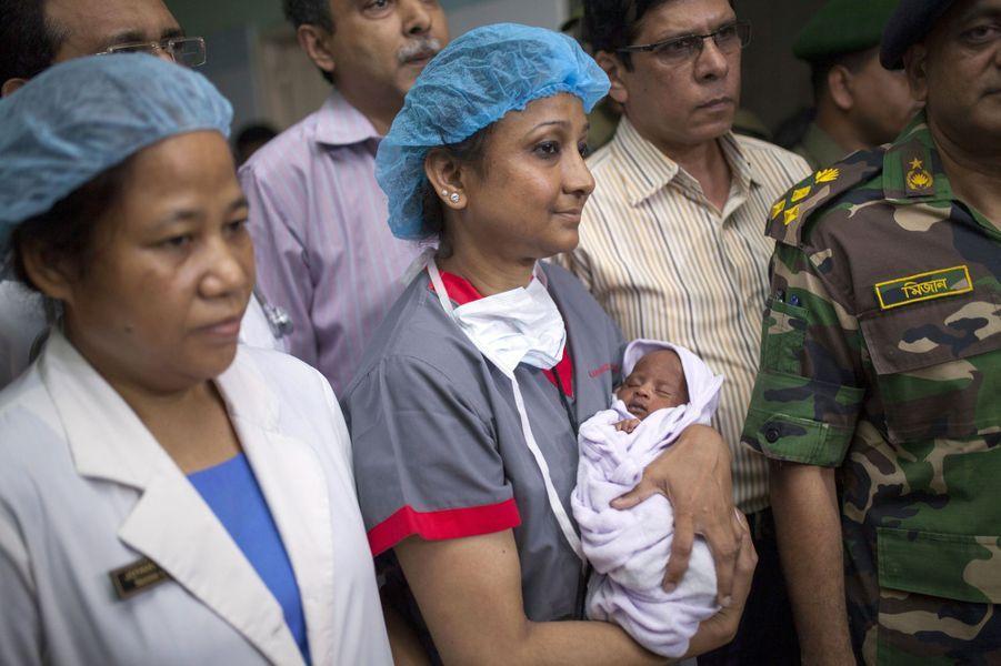 Suraiya, la petite miraculée d'une fusillade au Bangladesh
