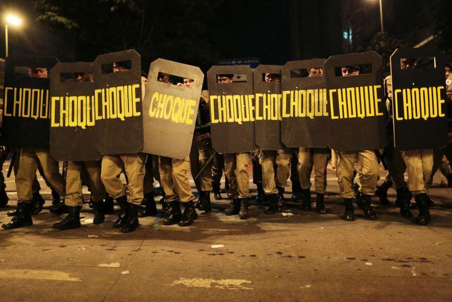 Entre foot et corruption, les Brésiliens ne lâchent rien