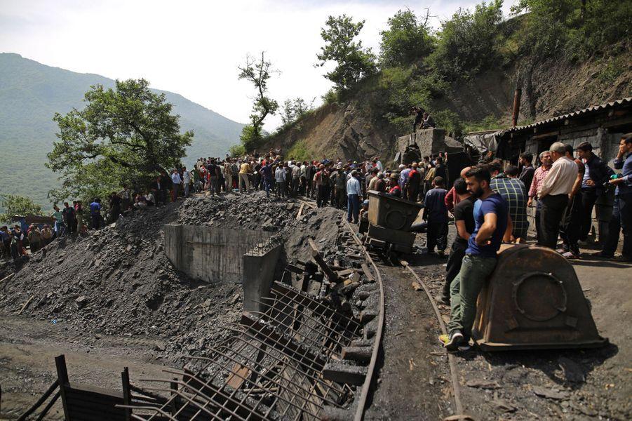 Une explosion accidentelle a fait au moins 21 morts dans une mine de charbon dans le nord de l'Iran, le 3 mai 2017.