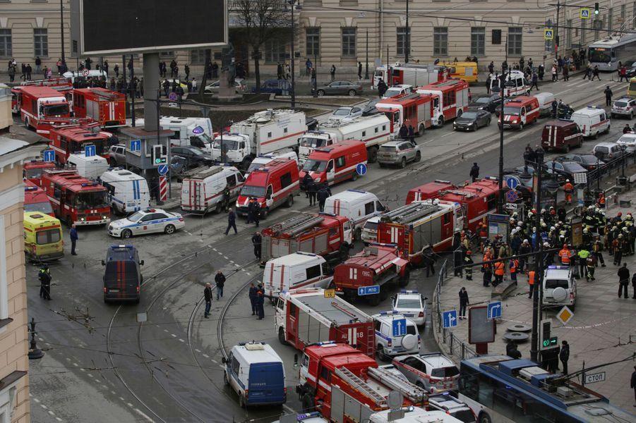Une explosion dans le métro de Saint-Pétersbourg, en Russie, a fait au moins 10 morts, le 3 avril 2017.