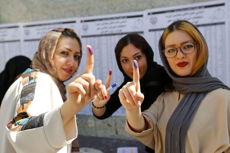 Iraniennes dans un bureaux de vote à Téhéran ce vendredi.