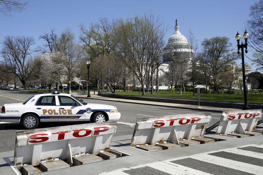 Frayeur à Washington : un homme tire au Capitole