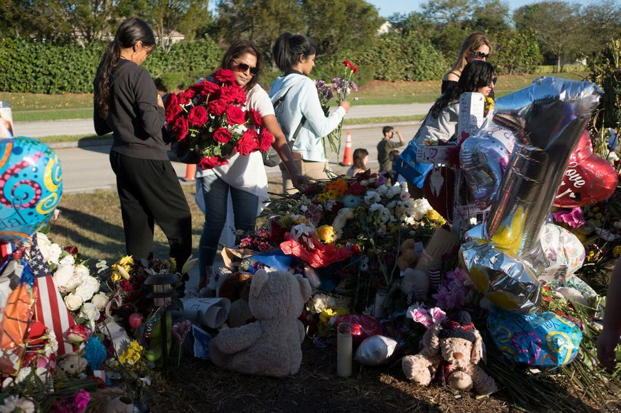 """Une journée """"orientation"""" a été organisée au lycée de Parkland dimanche plus d'une semaine après la fusillade qui a fait 17 victimes"""