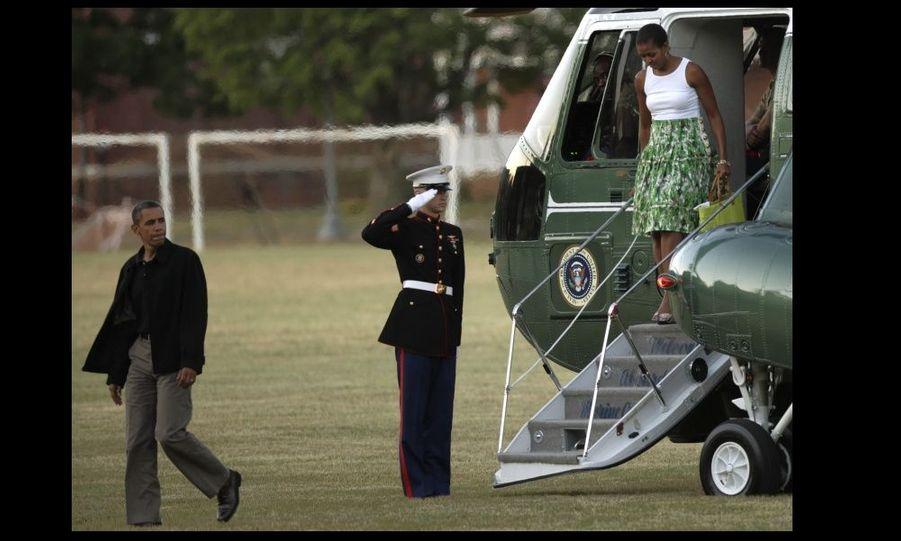 La veille, le couple présidentiel accueillait les résidents au Fort McNair. Barack et Michelle Obama ont également fêté l'anniversaire de leur fille aînée Malia, qui a eu 11 ans le jour de l'indépendance, le lendemain.