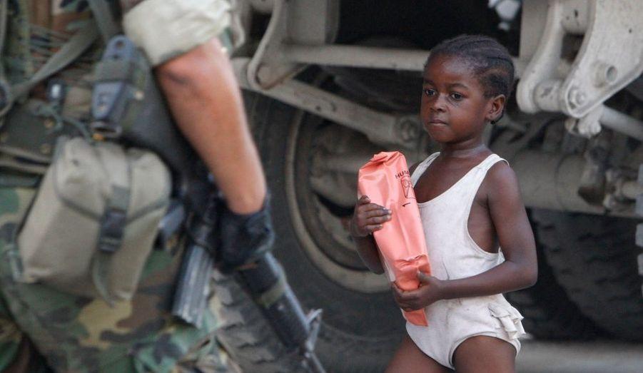 La fillette et le soldat