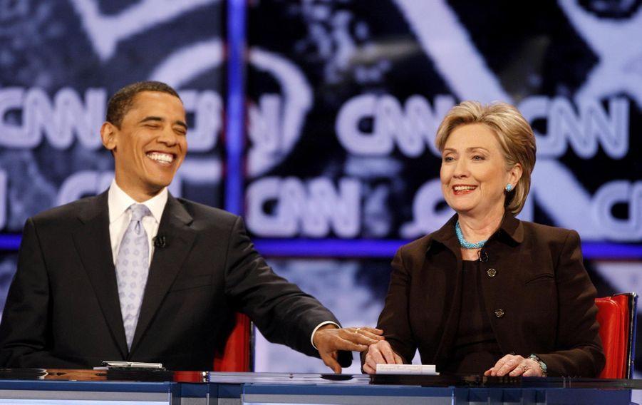 Hillary Clinton et Barack Obama à un débat en Californie en février 2008