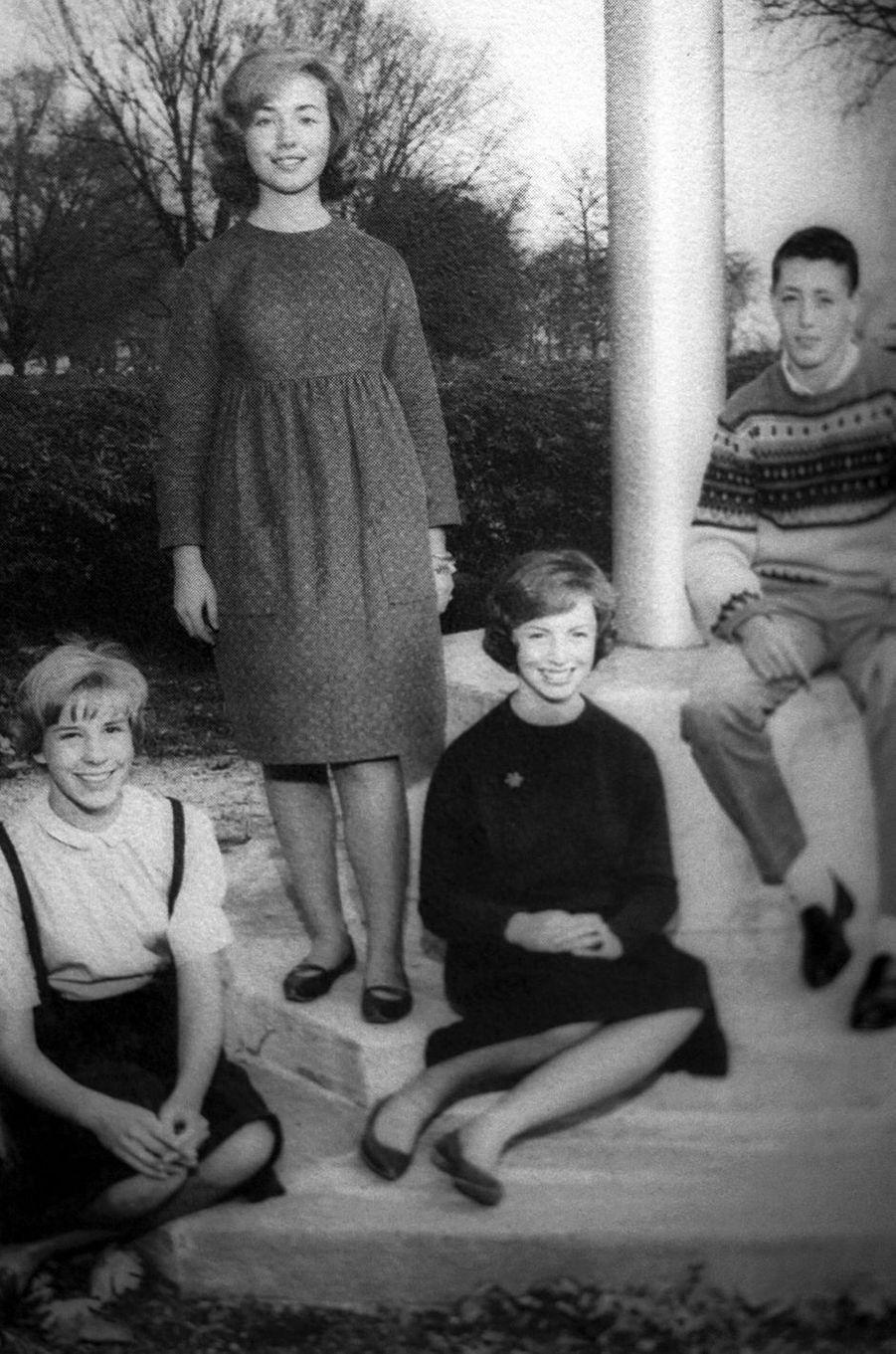 Hillary Clinton lycéenne, en 1964.
