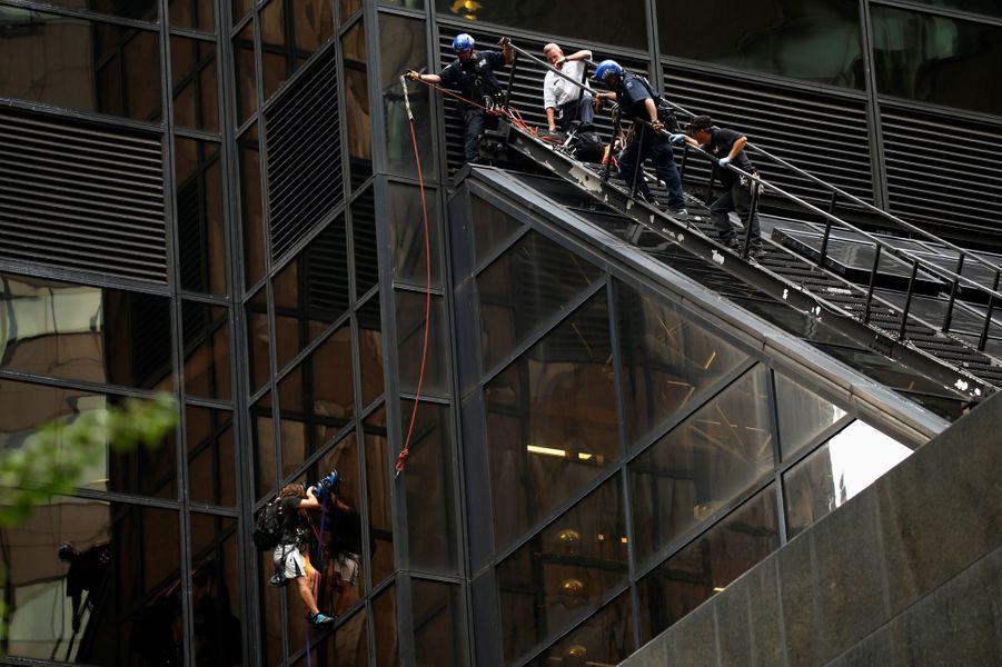Stephen Rogata, 19 ans, a été arrêté pour avoir escaladé la Trump Tower, à New York.