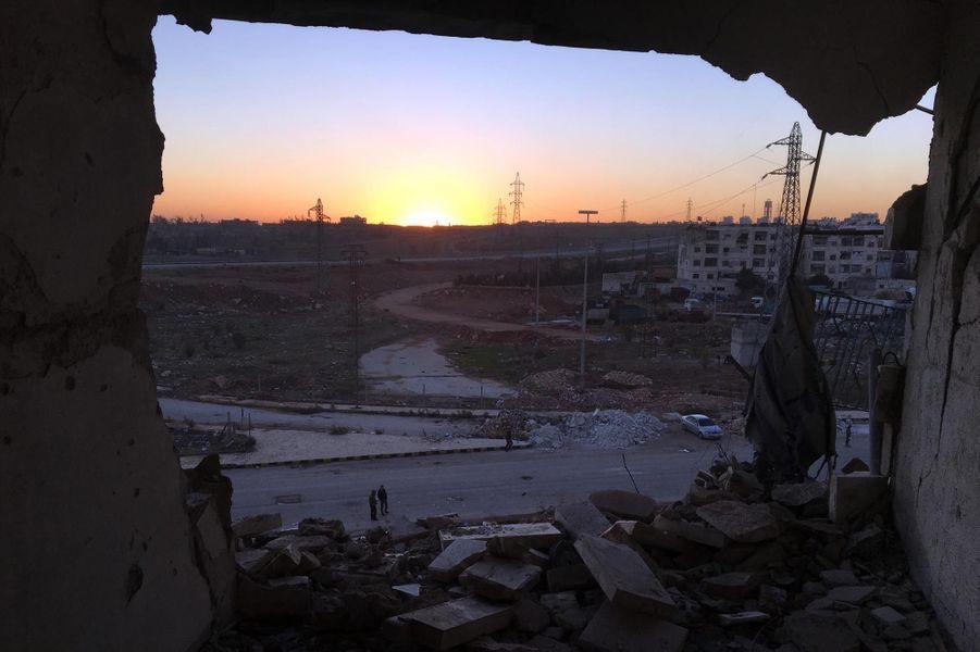 Quartier de Ramousseh, route d'évacuation des derniers rebelles présents dans la ville vers la ville d'Al Rashideen et la province d'Idlib