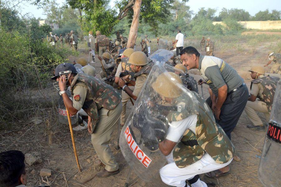 Inde : 24 morts lors de l'expulsion de membres d'un groupe sectaire