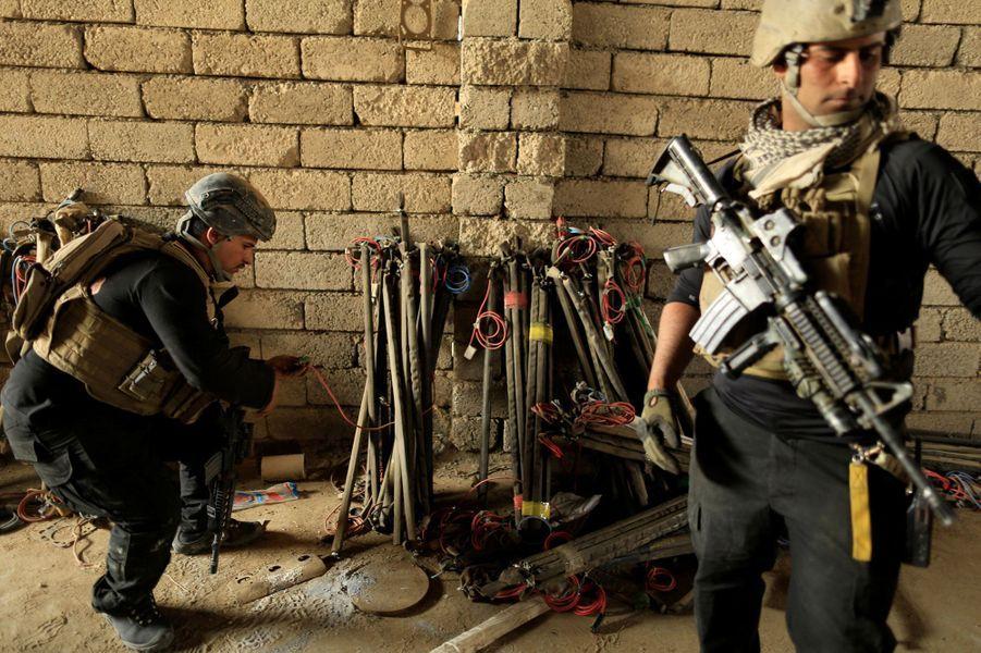 Dans les tunnels utilisés par Daech àBazwaia, en Irak, le 27 octobre 2016.