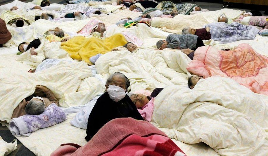 Plus de 140 000 personnes ont été évacuées à proximité des centrales nucléaires.