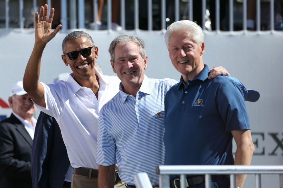 Barack Obama, George W. Bush et Bill Clinton à la President's Cup, le 28 septembre 2017.