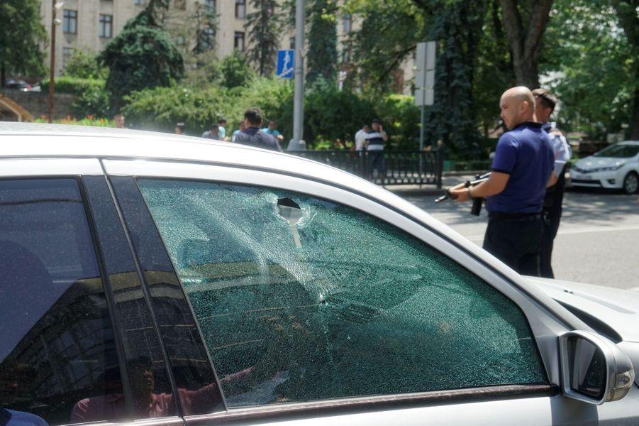 Cinq personnes ont été tuées dans une série d'attaques visant les forces de l'ordre kazakhs, à Almaty, le 18 juillet 2016.