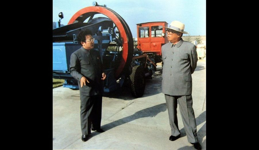 Kim Jong-il et Kim Il-sung en août 1982