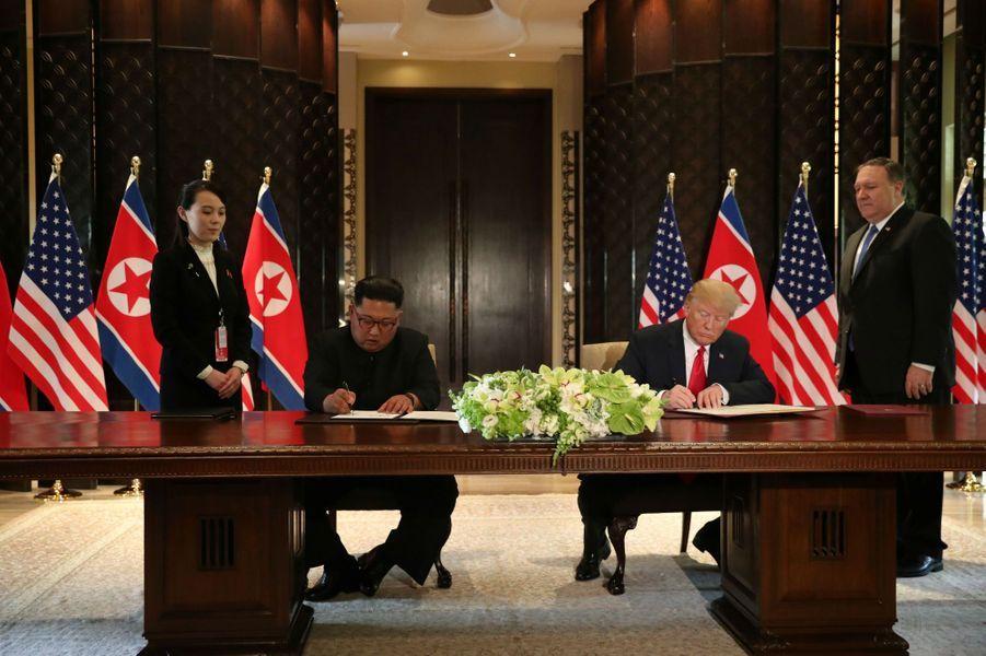 Le refuge de la louve intrépide - Portail Kim-Jong-un-Donald-Trump-declaration-2
